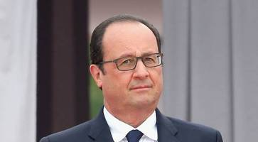Hollande in Iraq amid IS battle